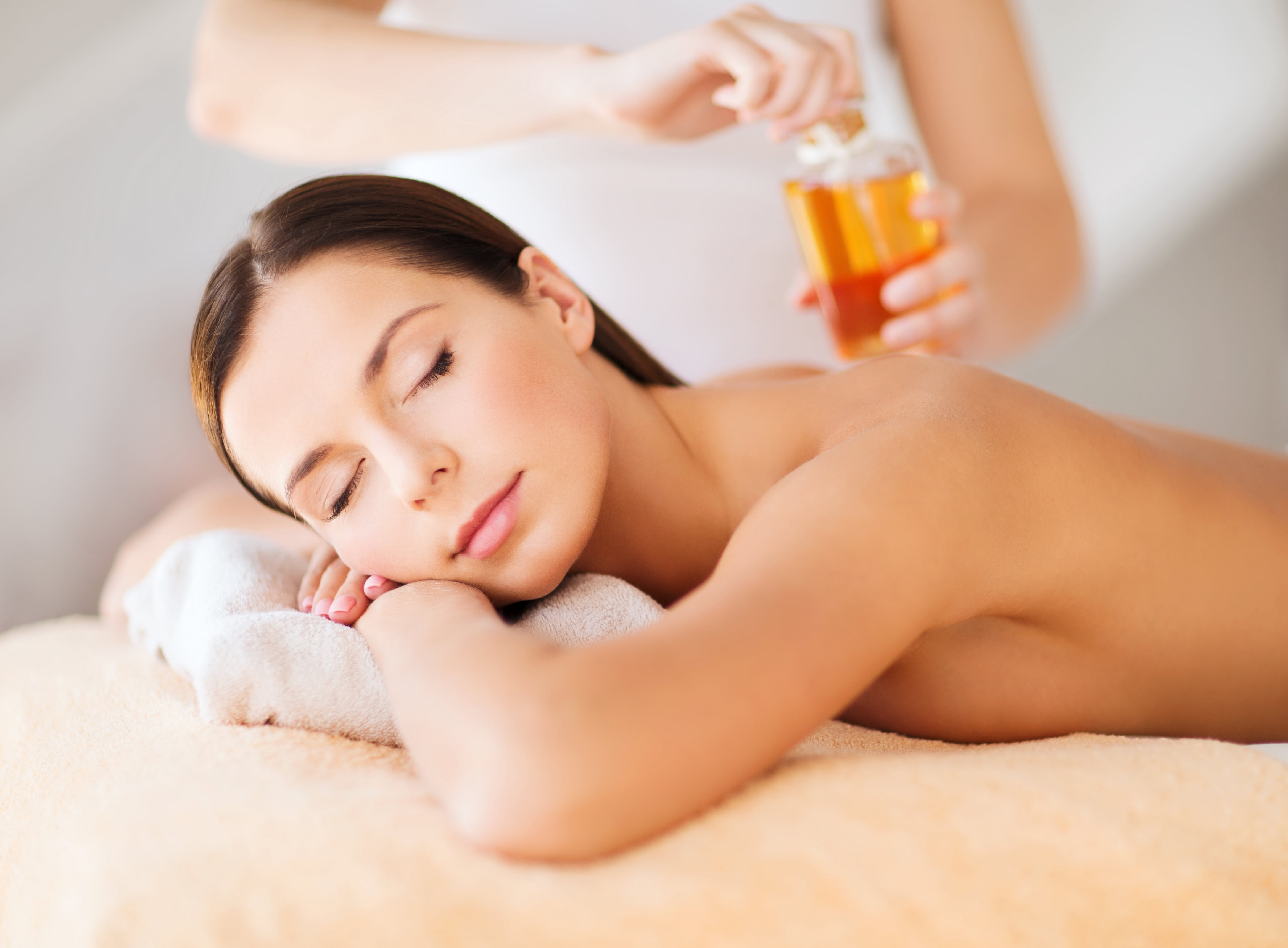 Masaj de purificare energetică, aromaterapie